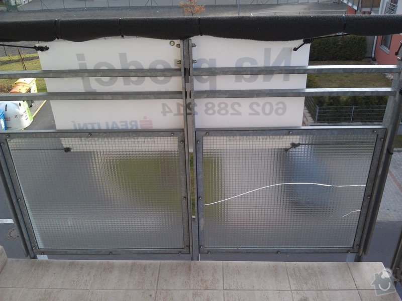 Výměna prasklého skla na balkoně: IMAG2427