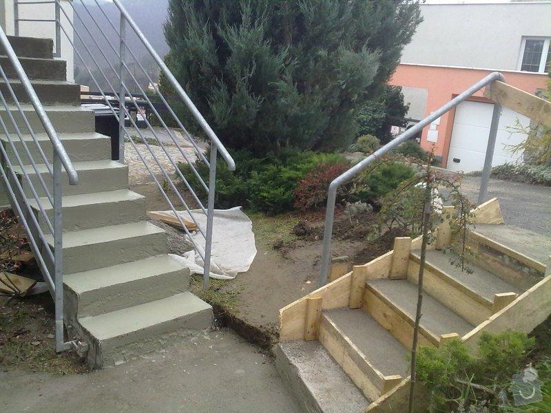 Pokládka venkovní dlažby na beton - schody a chodníček (cca.19m2): 271120121700