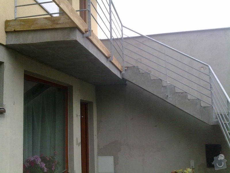 Pokládka venkovní dlažby na beton - schody a chodníček (cca.19m2): 271120121701