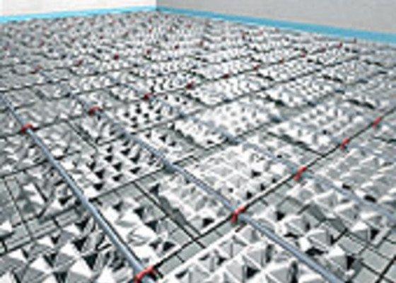 Podlahové vytápění, akumulace, solární ohřev, krb, nesoučasná regulace místností, rozvody kanalizace, vody, TUV, cirkulace.