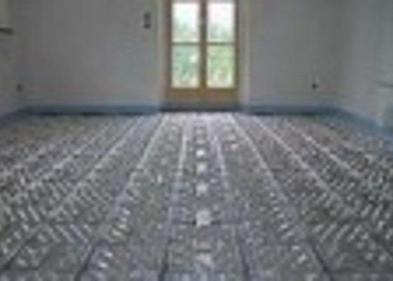 Montáž podlahového vytápění, solárního ohřevu s akumulací, regulací, rozvody elektro.