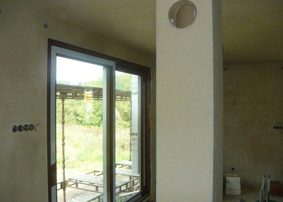 Provedení vnitřní štukové omítky na zdivo Keratherm.