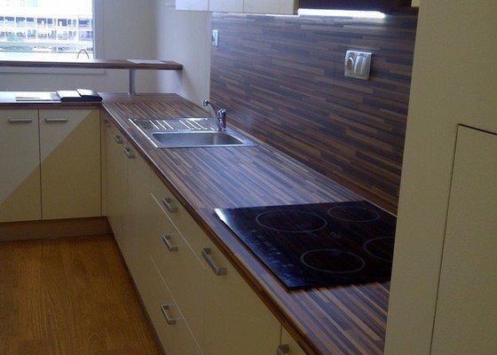 Rekonstrukce kuchyně a obývacího pokoje, výroba kuchyňské linky