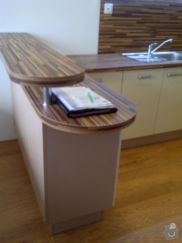 Rekonstrukce kuchyně a obývacího pokoje, výroba kuchyňské linky: IMG-20121205-00728