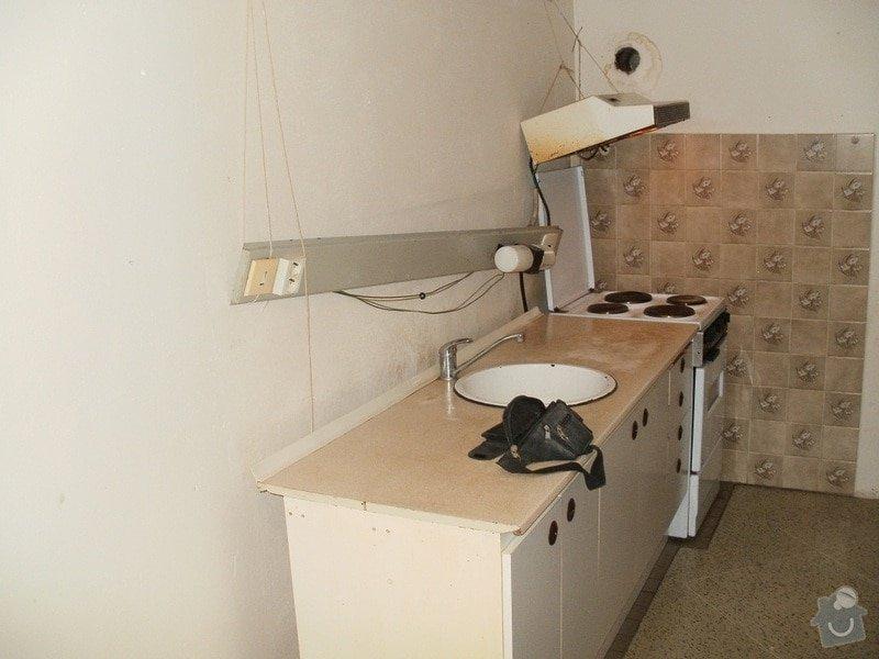 Rekonstrukce bytového jádra a stavební úpravy pro kuchyňskou linku: 011