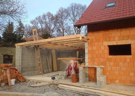 Střecha garážového stání