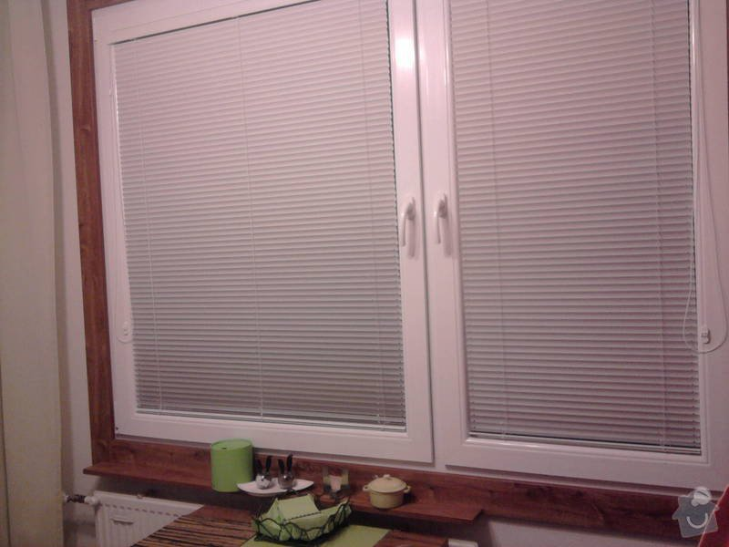 Vestavěné skříně + obložení oken: Fotografie1283