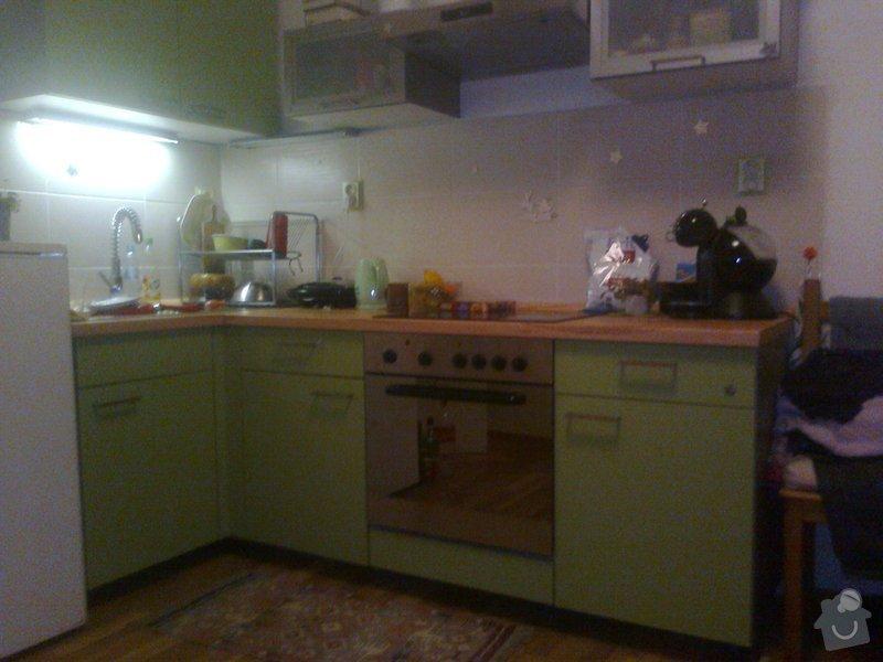 Spodní krycí deska u kuchyňské linky: 1