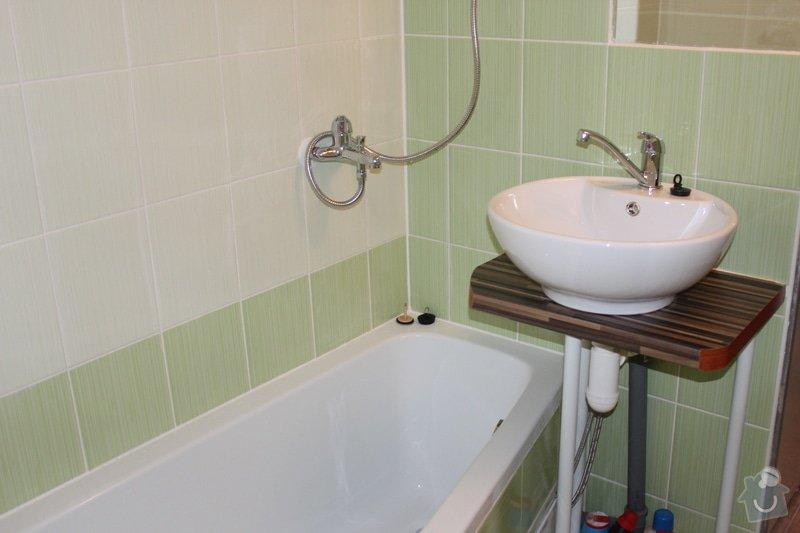 Obkladani umakartoveho jadra, pokladka plovouci podlahy, vymalovat okna ,tapetovani: IMG_5183