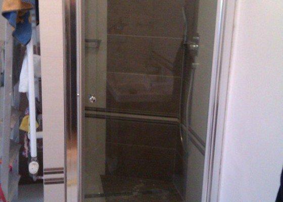 Instalace dveří do sprchového koutu