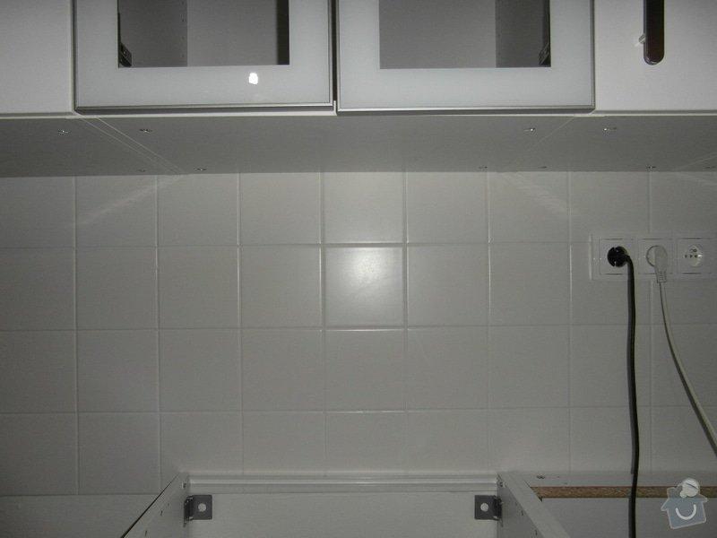 Návrh osvětlení v bytě: kuchynska_linka_pred_rekonstrukci