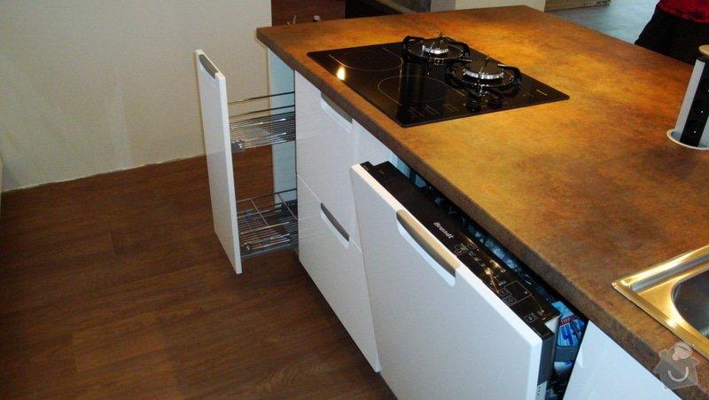 Realizace kuchyňské linky: 14