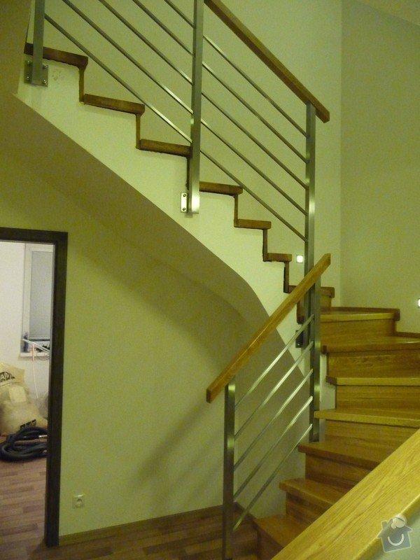 Nerezové interierové zábradlí s dubovým madlem: P1070026