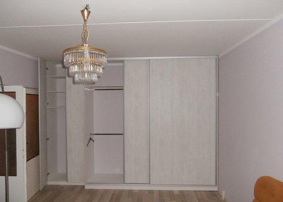 Výroba vestavné skříně a kuch. linky