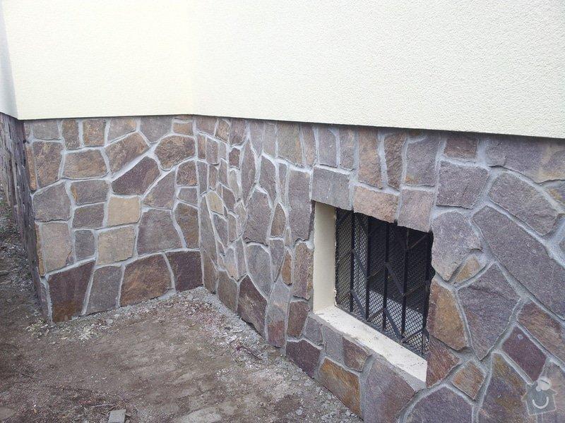Obklad soklu rodiného domu přírodním kamenem: DSC_0092