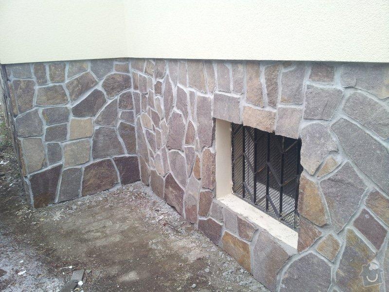 Obklad soklu rodiného domu přírodním kamenem: DSC_0097