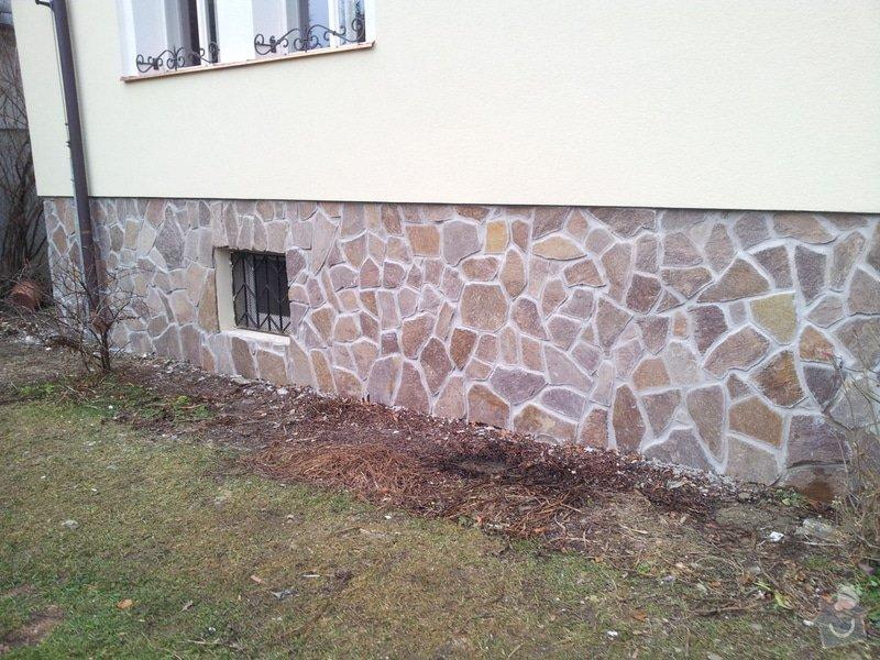 Obklad soklu rodiného domu přírodním kamenem: DSC_0105