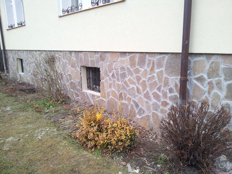 Obklad soklu rodiného domu přírodním kamenem: DSC_0107