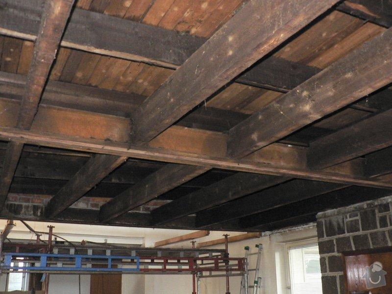 Foukaná izolace ploché střechy a vytvoření podhledu.: P1090002