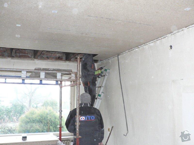Foukaná izolace ploché střechy a vytvoření podhledu.: P1090010