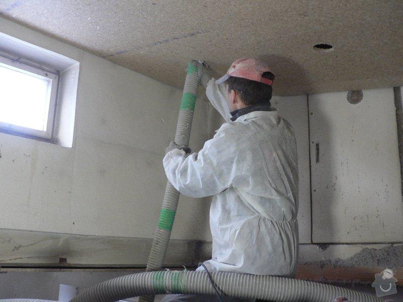 Foukaná izolace ploché střechy a vytvoření podhledu.: P1090037