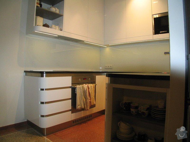Kuchyně: IMG_0044