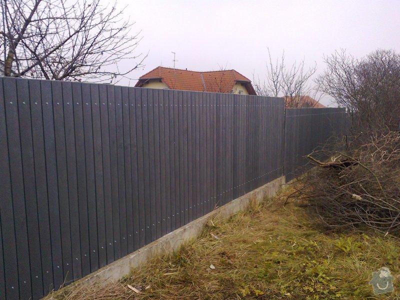 Montáž plastového plotu: Fotografie0501