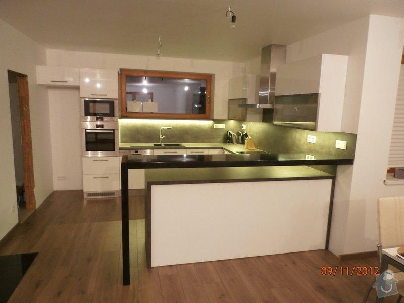 Kuchyně: PB090029
