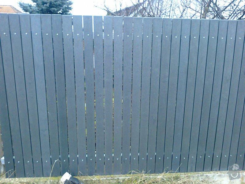 Montáž plastového plotu: Fotografie0502