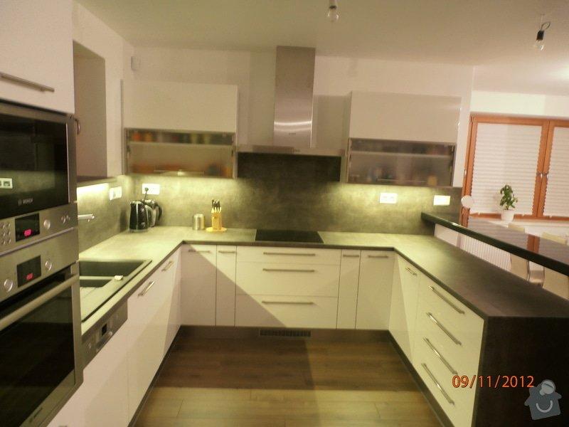 Kuchyně: PB090026