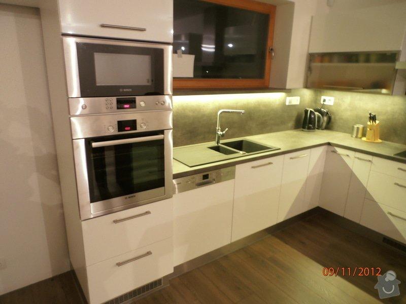 Kuchyně: PB090027
