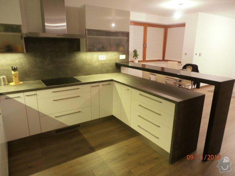 Kuchyně: PB090028