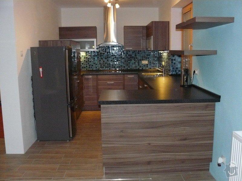 Kuchyňská linka na míru: P1050626