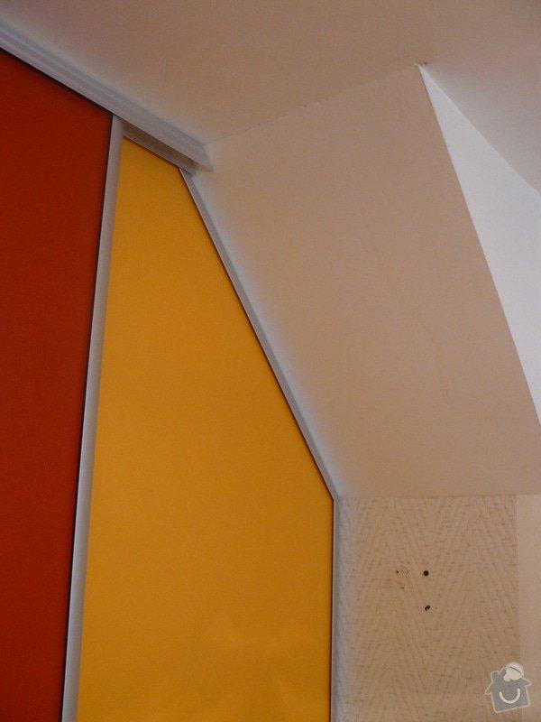 Vestavěná skříň s šikmým stropem: P1050659a
