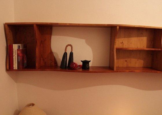 Ložnice z masivního dřeva na míru