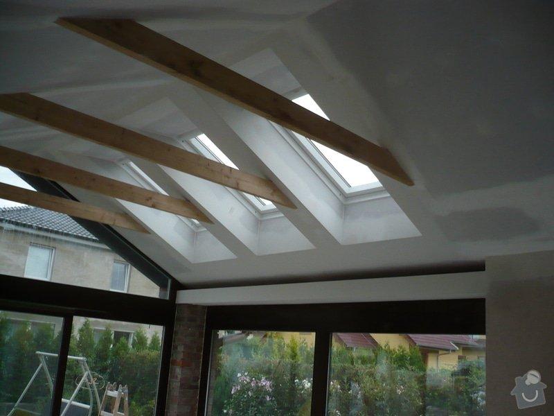 Zhotovení sádrokartonu, strukturová omítka a betonová dlažba.: P1070977