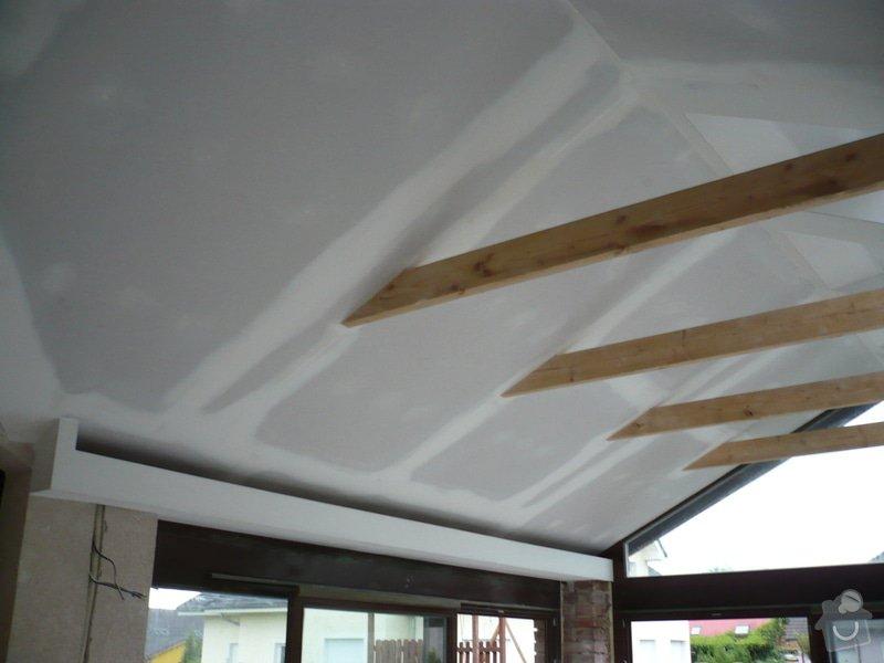 Zhotovení sádrokartonu, strukturová omítka a betonová dlažba.: P1070978