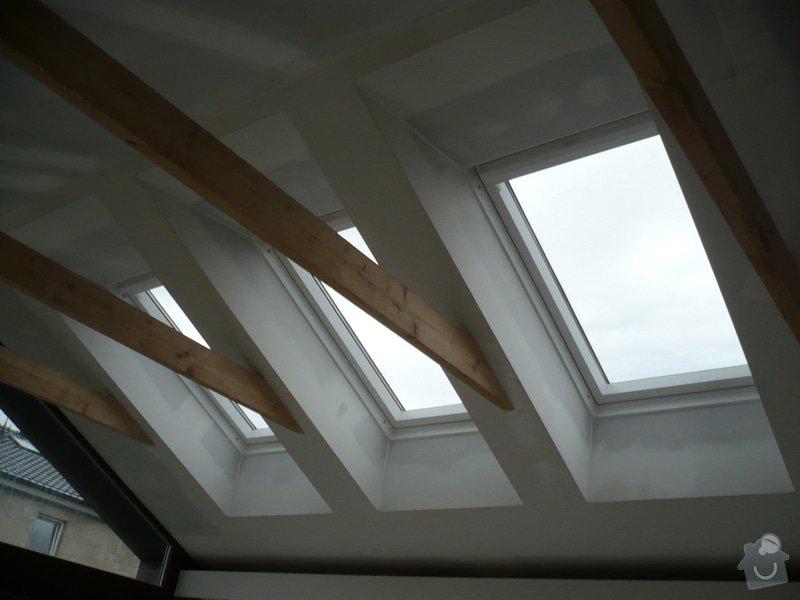 Zhotovení sádrokartonu, strukturová omítka a betonová dlažba.: P1070980