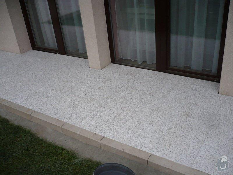 Zhotovení sádrokartonu, strukturová omítka a betonová dlažba.: P1080325