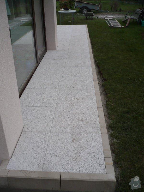 Zhotovení sádrokartonu, strukturová omítka a betonová dlažba.: P1080331