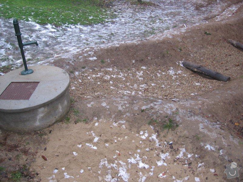 Výrobu dřevěných vodních herních prvků (korýtka): IMG_2791