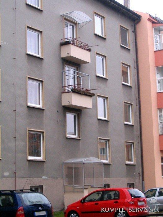 Zastřešení balkónu a vchodu: IMG_0407
