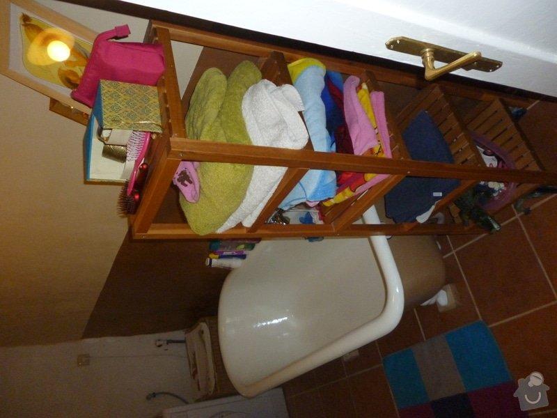 Vyrovnání stěn v koupelně: zaházení nerovností, vyrovnávky lepidlem, vyštukování.: P1010391