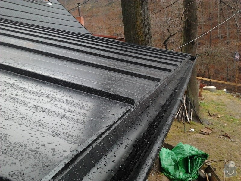 Pokrytí střechy verandy, instalace okapového systému, oprava střechy: 2012-12-28_12.29.13