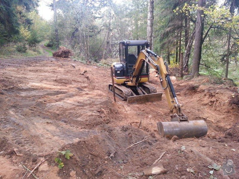 Vybagrování lesní cesty + navezení štěrku.: 20121014_104929