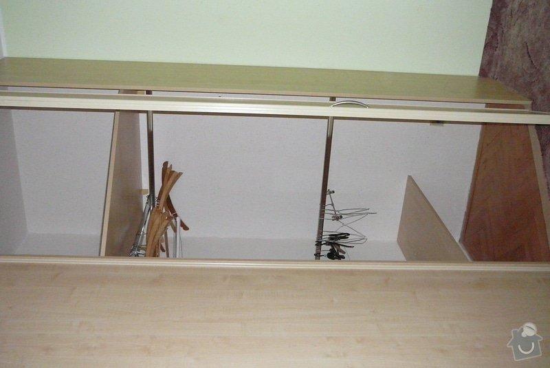 Rohová vestavěná skříň lamino: P1120783