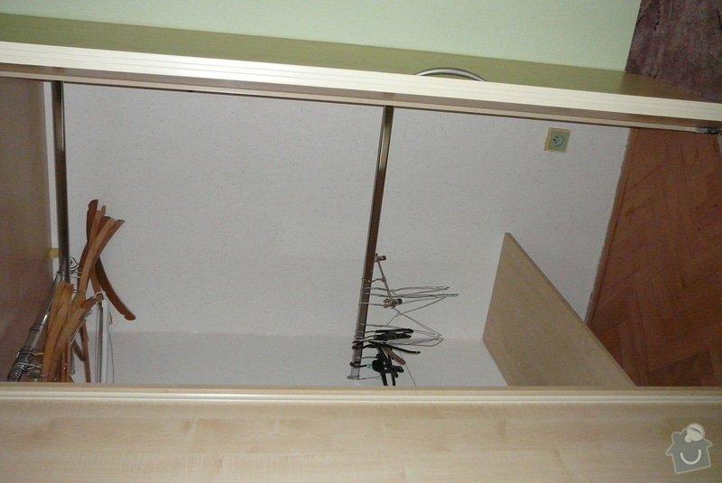 Rohová vestavěná skříň lamino: P1120784