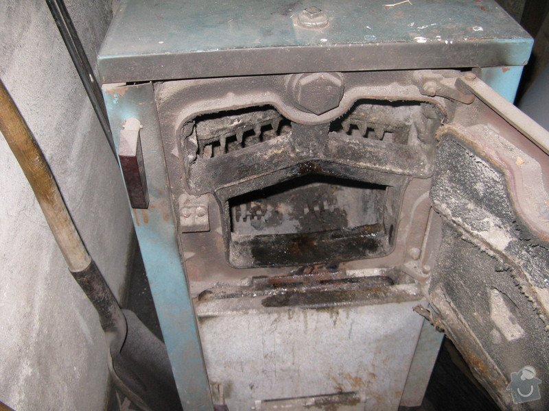 Oprava nebo výměna teplovodního kotle na pevná paliva U22 5článků 29 kW, prasklý přední článek: IMG_2796