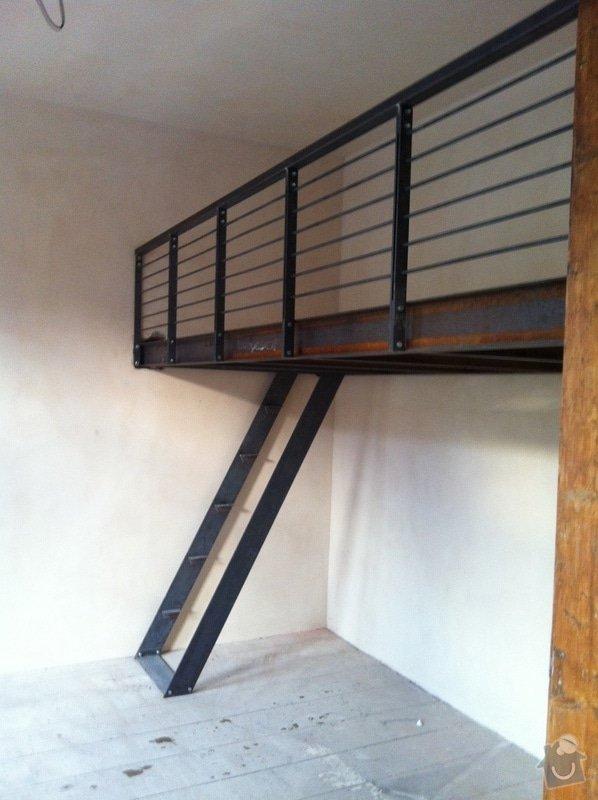 Konstrukce kovového patra na spaní do činžovního domu: IMG_1521