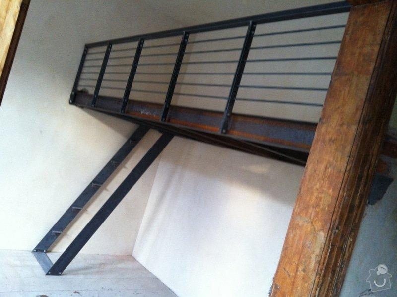 Konstrukce kovového patra na spaní do činžovního domu: IMG_1520
